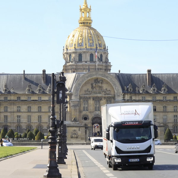 transport livraison colis messagerie paris ile de france coursier express camion paris distribution. Black Bedroom Furniture Sets. Home Design Ideas